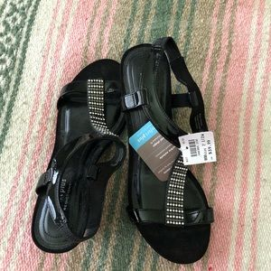 Sandals Comfort Plus by Predictions